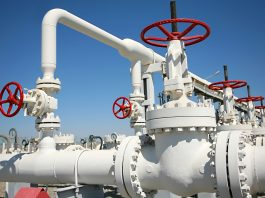 Pipeline and shutoff valves