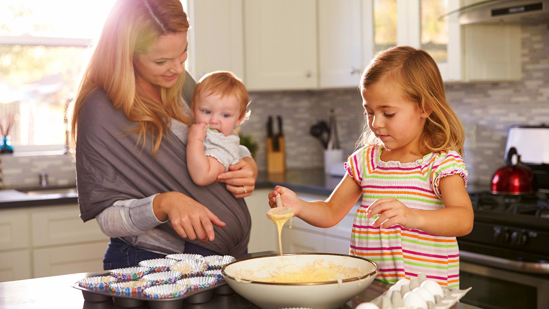 Resultado de imagem para children cooking